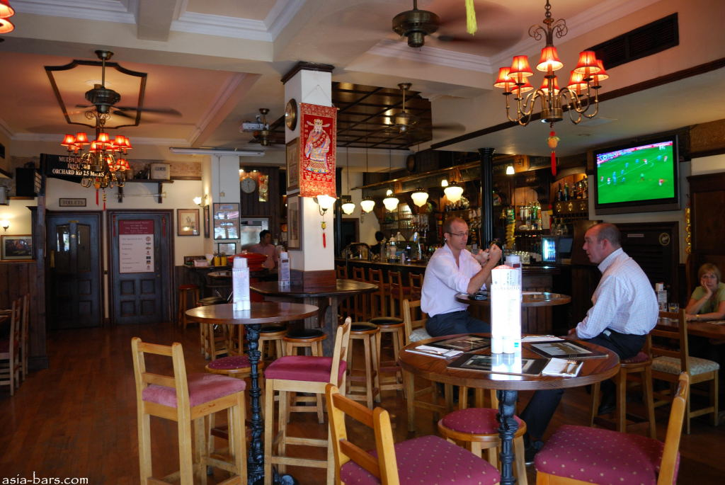 The Penny Black Authentic London Pub On Waterfront At