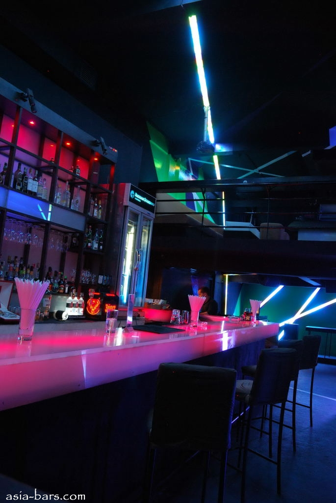 Glow Nightclub Club And Lounge In Sukhumvit Area Of