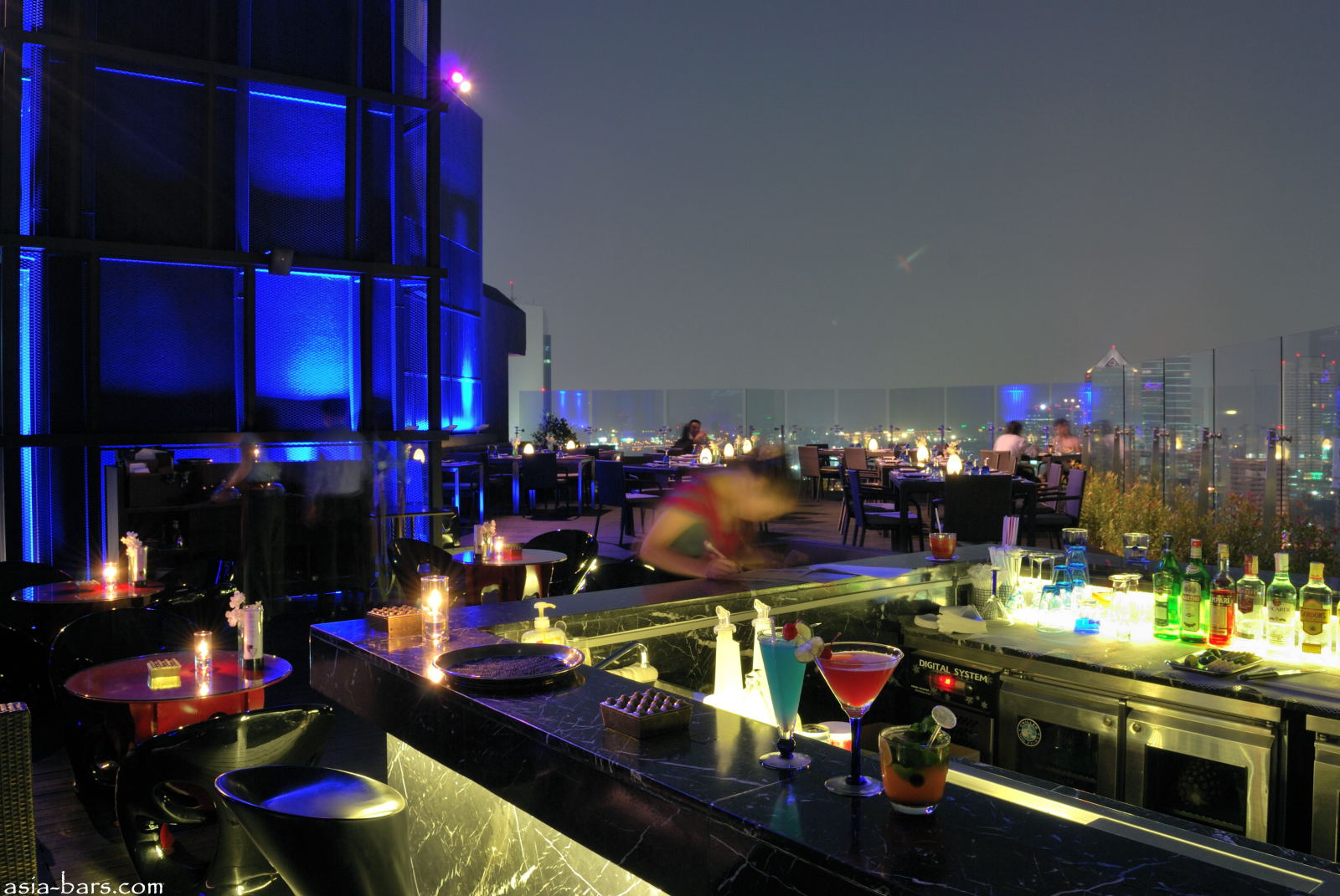 Blue Sky Rooftop Bar Amp Restaurant At Centara Grand