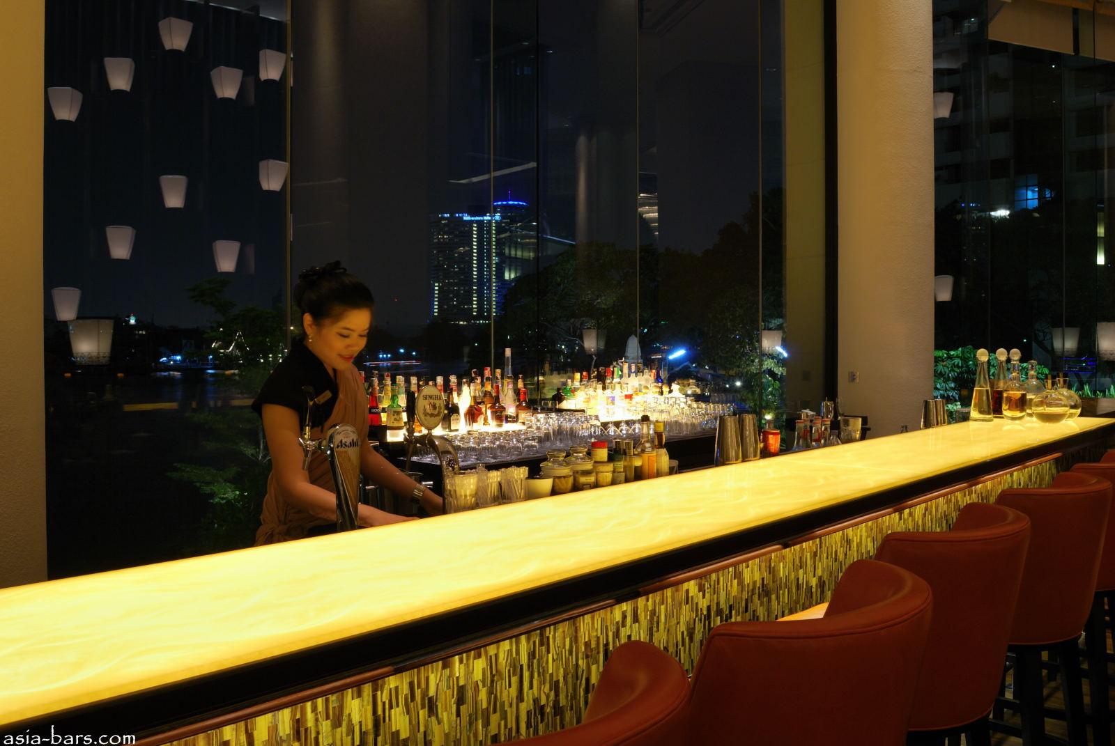 The Long Bar Opulent Riverfront Bar At Shangri La Hotel
