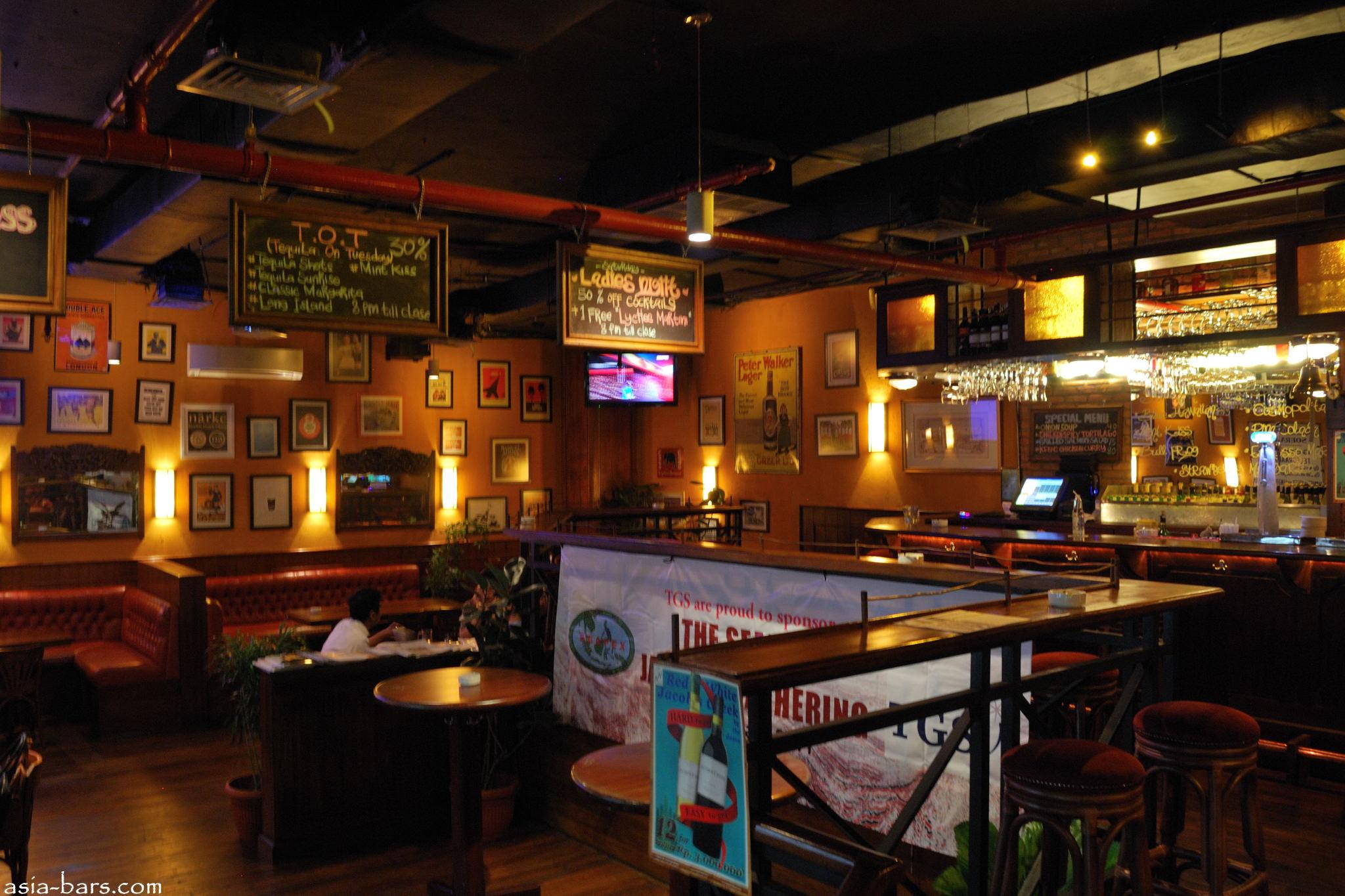 cafe de burse  european style cafe amp restaurant in central