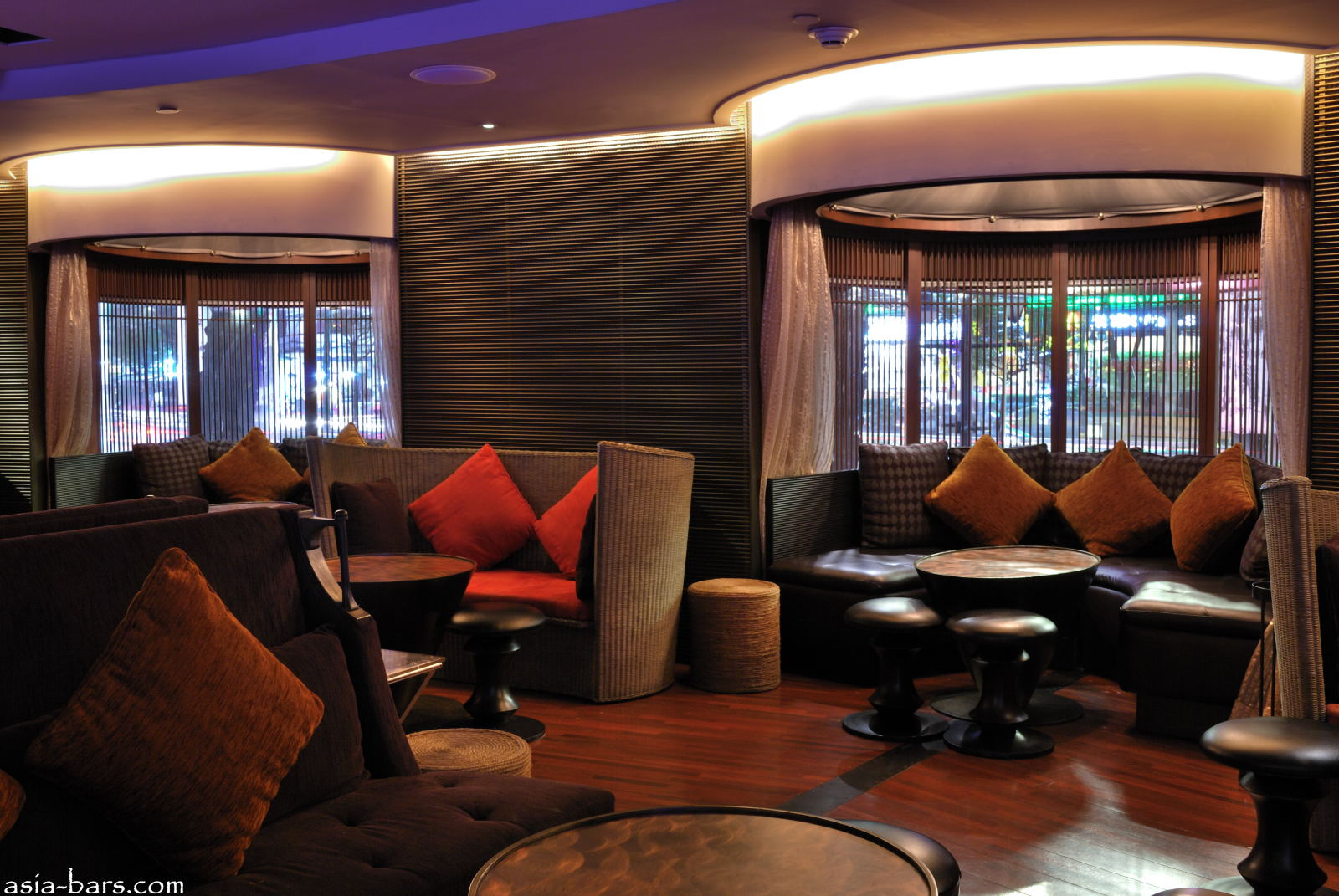 BarSu is a stylish lounge bar / club located within the Sheraton ...