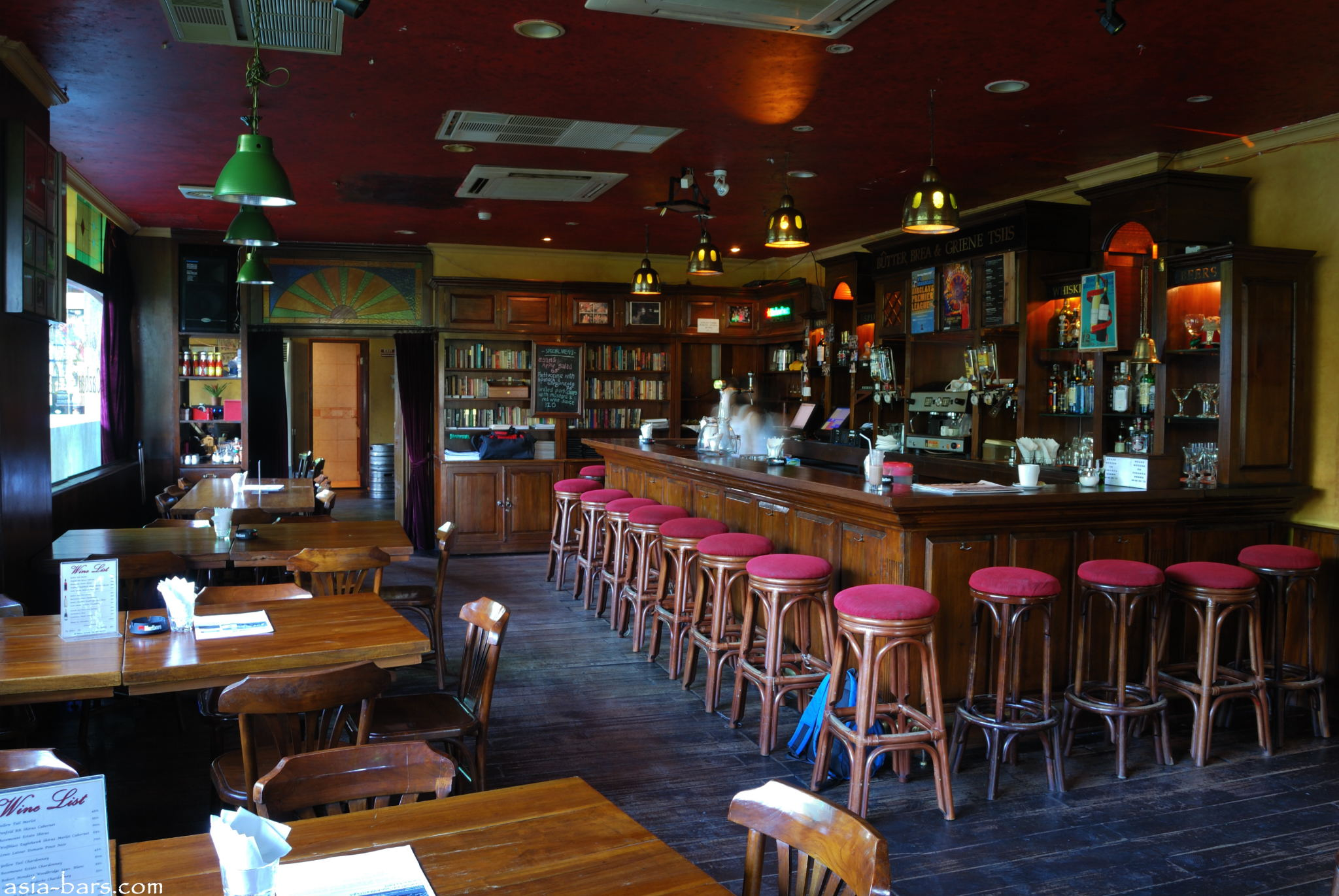 The Cazbar European Style Cafe Amp Sports Bar In Central Jakarta Asia Bars Amp Restaurants