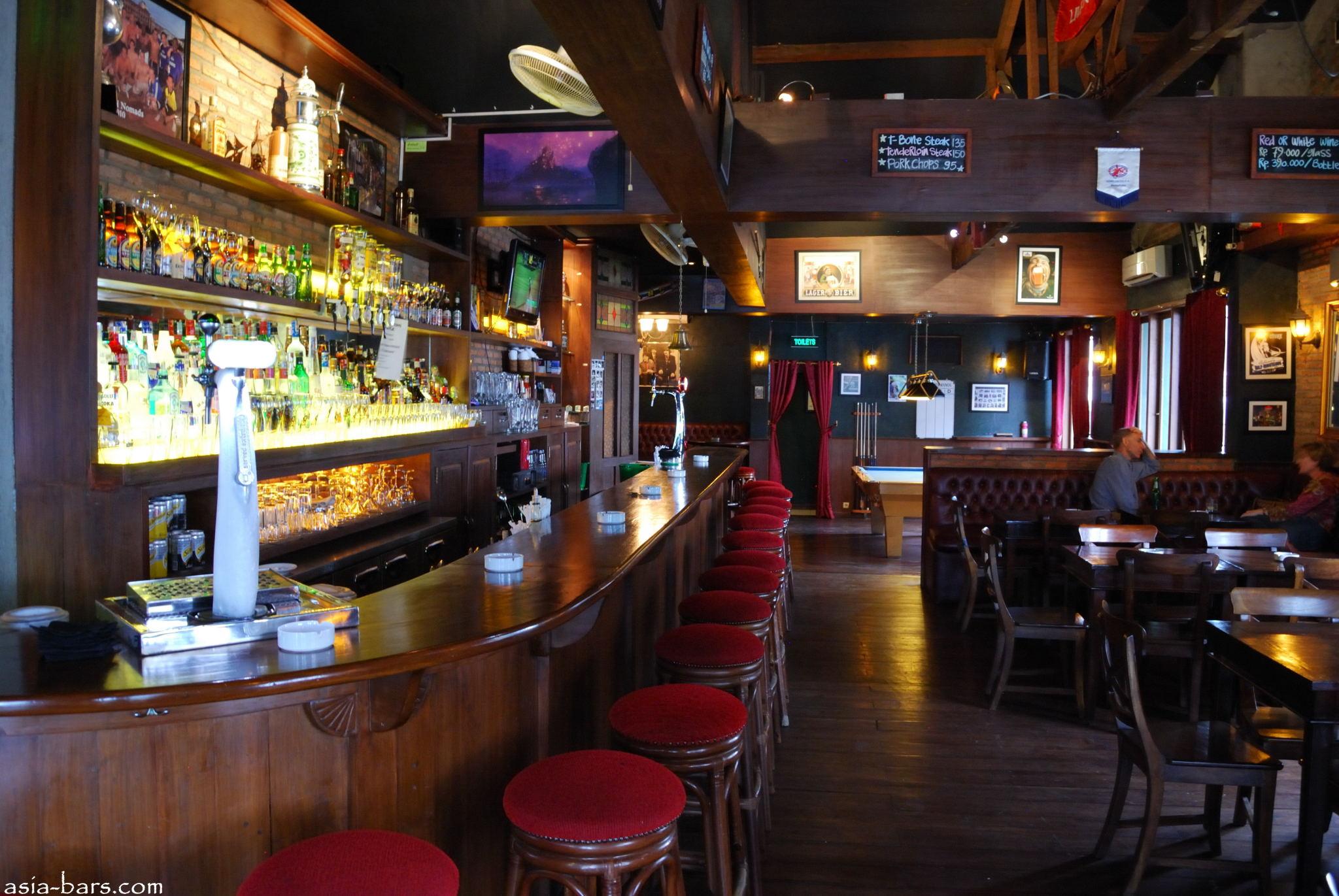 De Hooi Pub Sports Bar Night Club A Venue With A Real