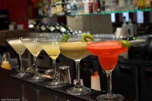 met bar bangkok- cocktails on the bar