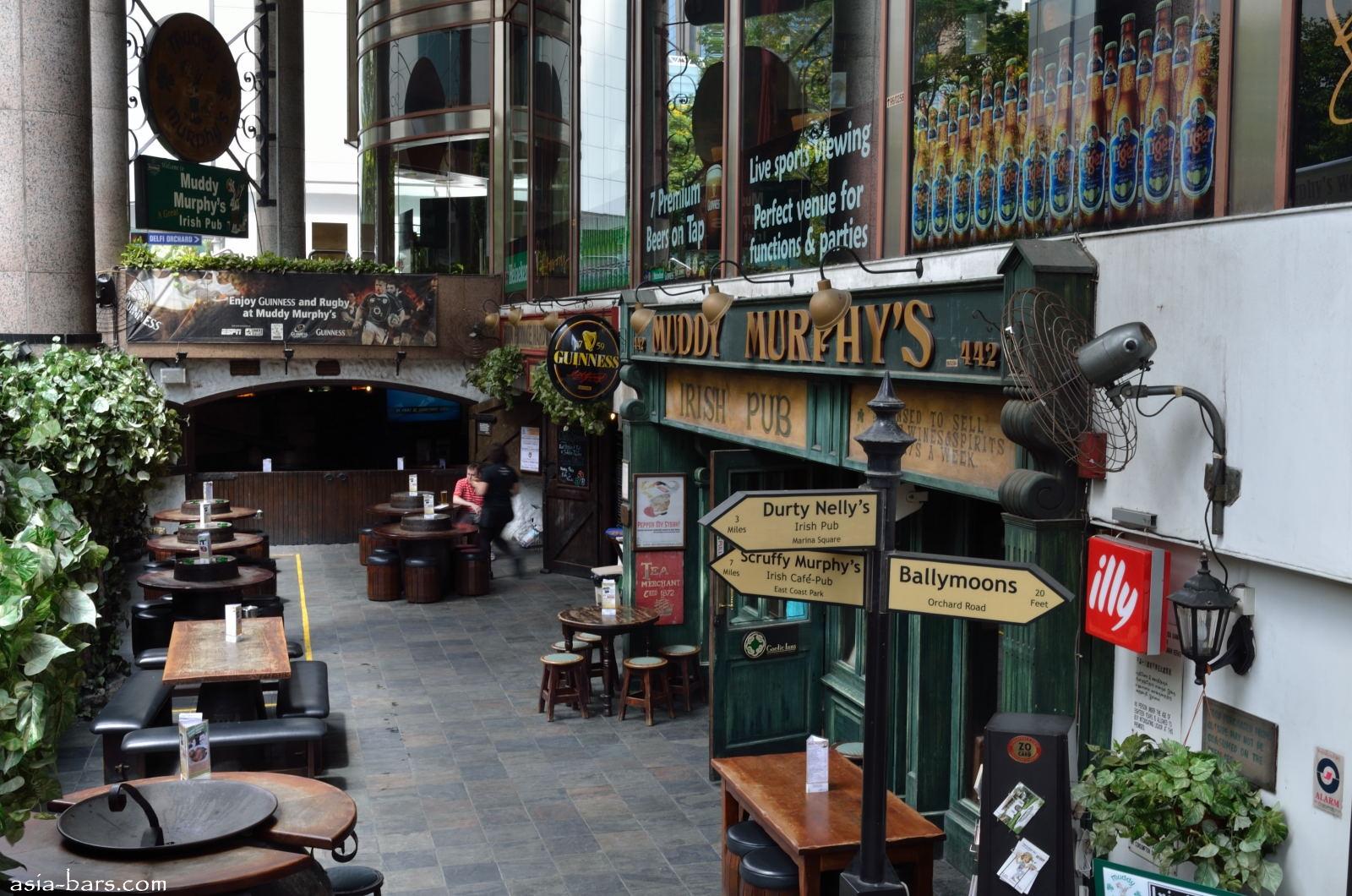 Muddy Murphy's Irish Pub- authentic Irish Pub in the heart