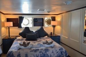 motor yacht calisto-master stateroom