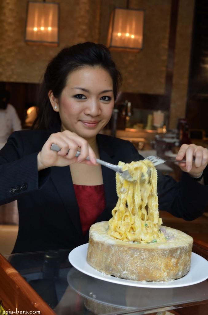 Originale Fettucine alfredo- served in the Castelmagno cheese wheel
