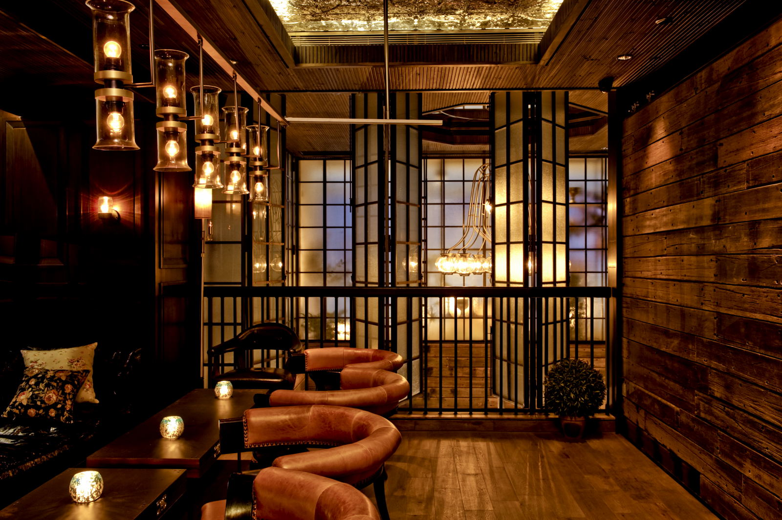 Restaurant Bar Wall Decor : Lily celebrated bar room in central hong kong recalls