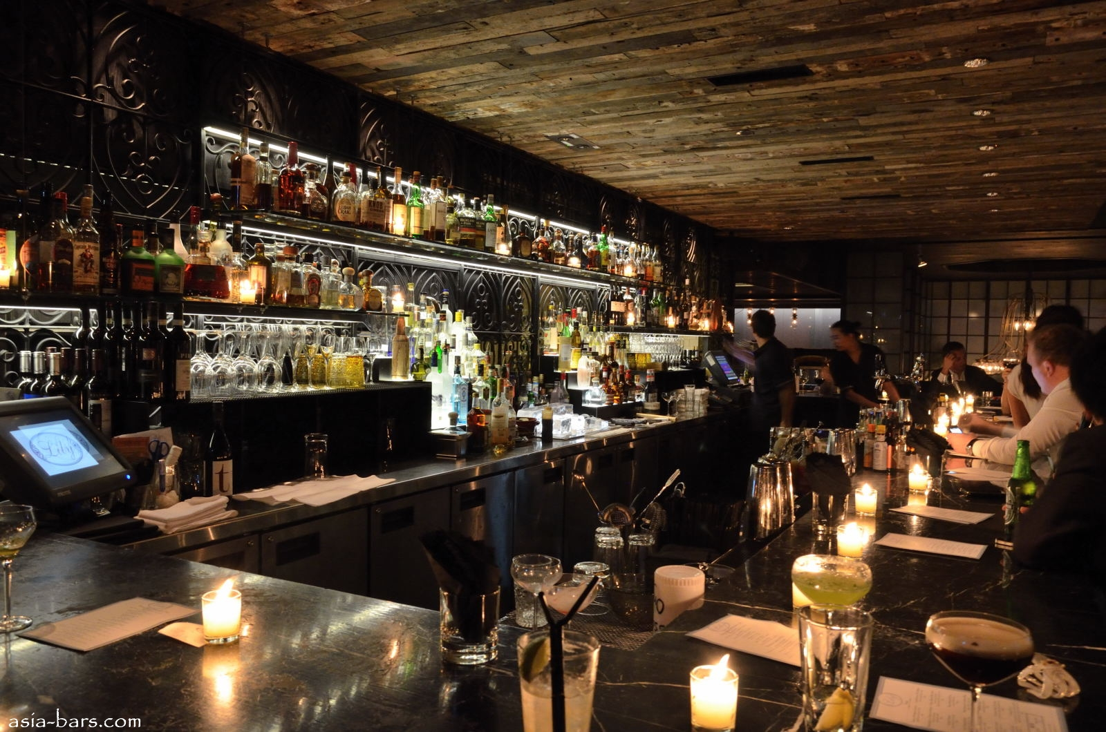 Lily Celebrated Bar Room In Central Hong Kong Recalls