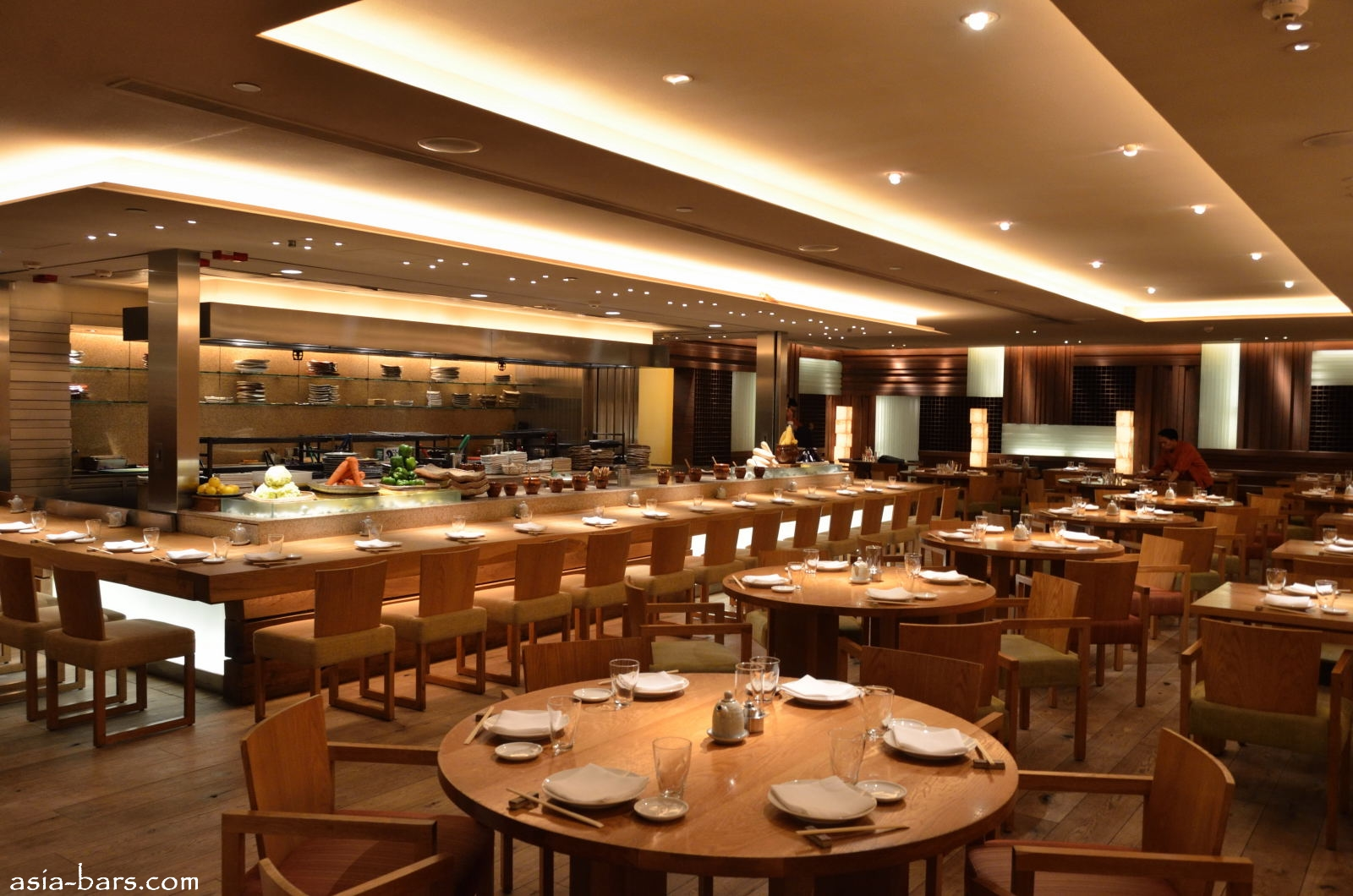 Roka in hong kong a stylish japanese robata grill for Asian cuisine restaurant