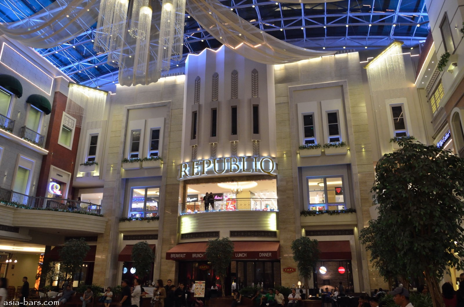 The exterior of republiq viewed from the atrium of the newport mall at