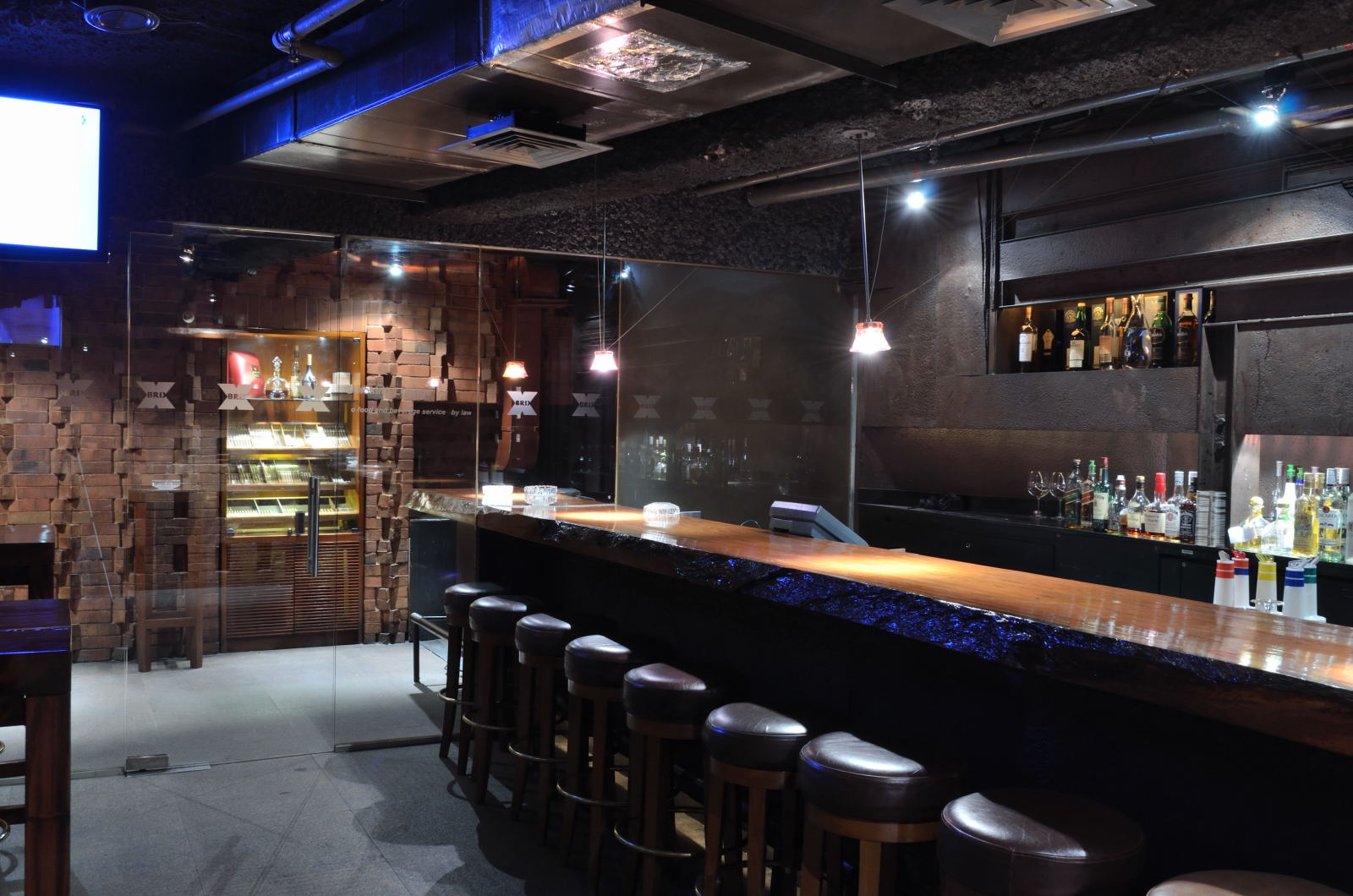 Brix Exuberant Nightclub At The Grand Hyatt Singapore
