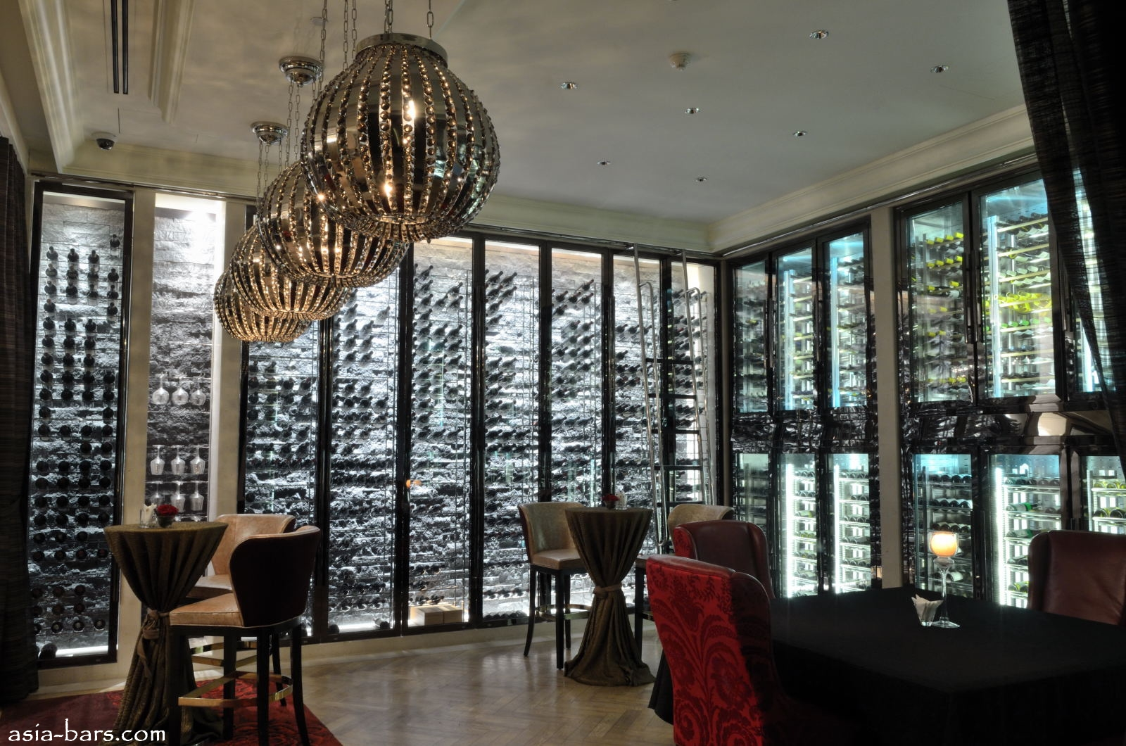 Decanter Luxurious Wine Bar At The St Regis Singapore
