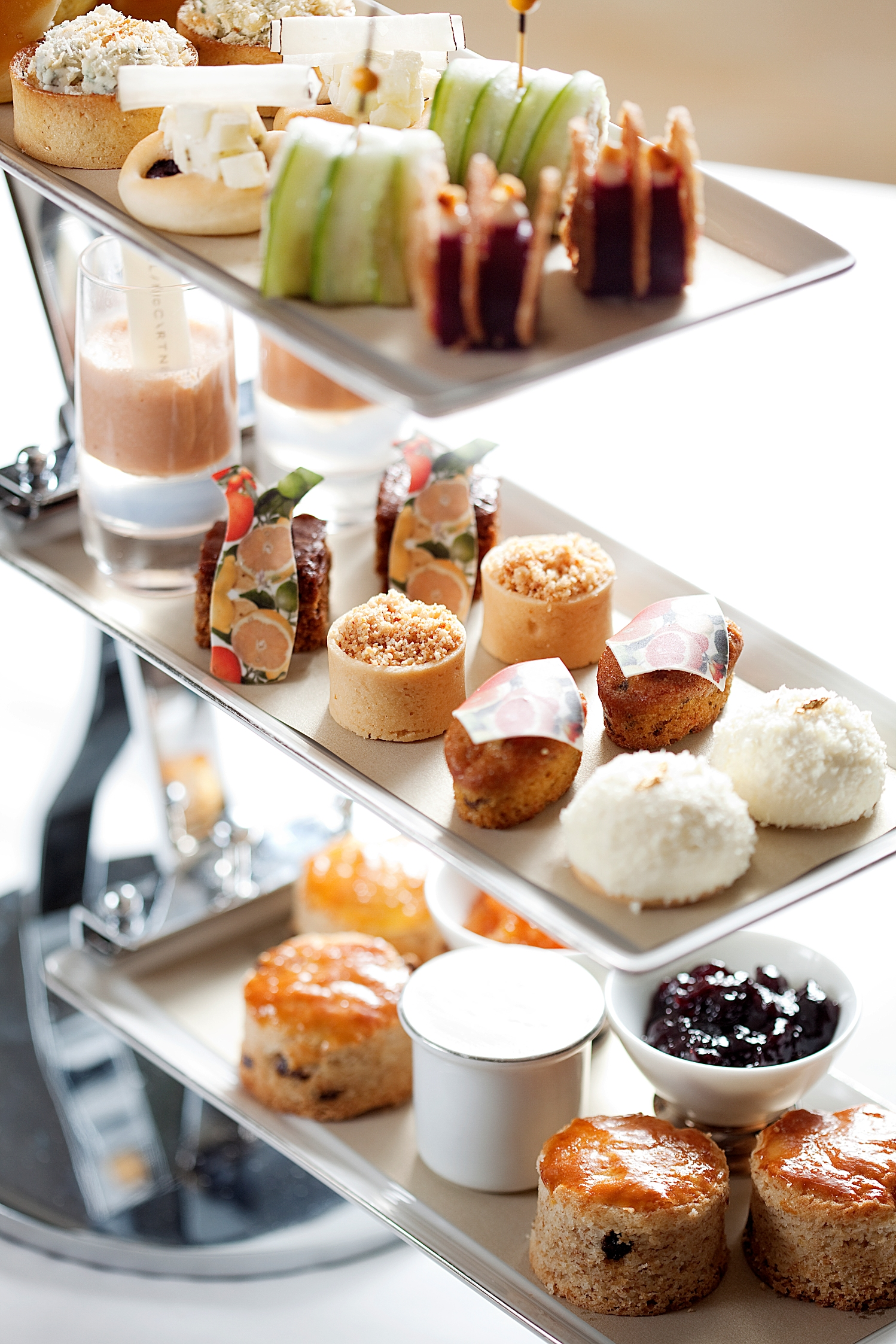afternoon tea Book london's best afternoon tea with striking views from the river thames | bateaux london.