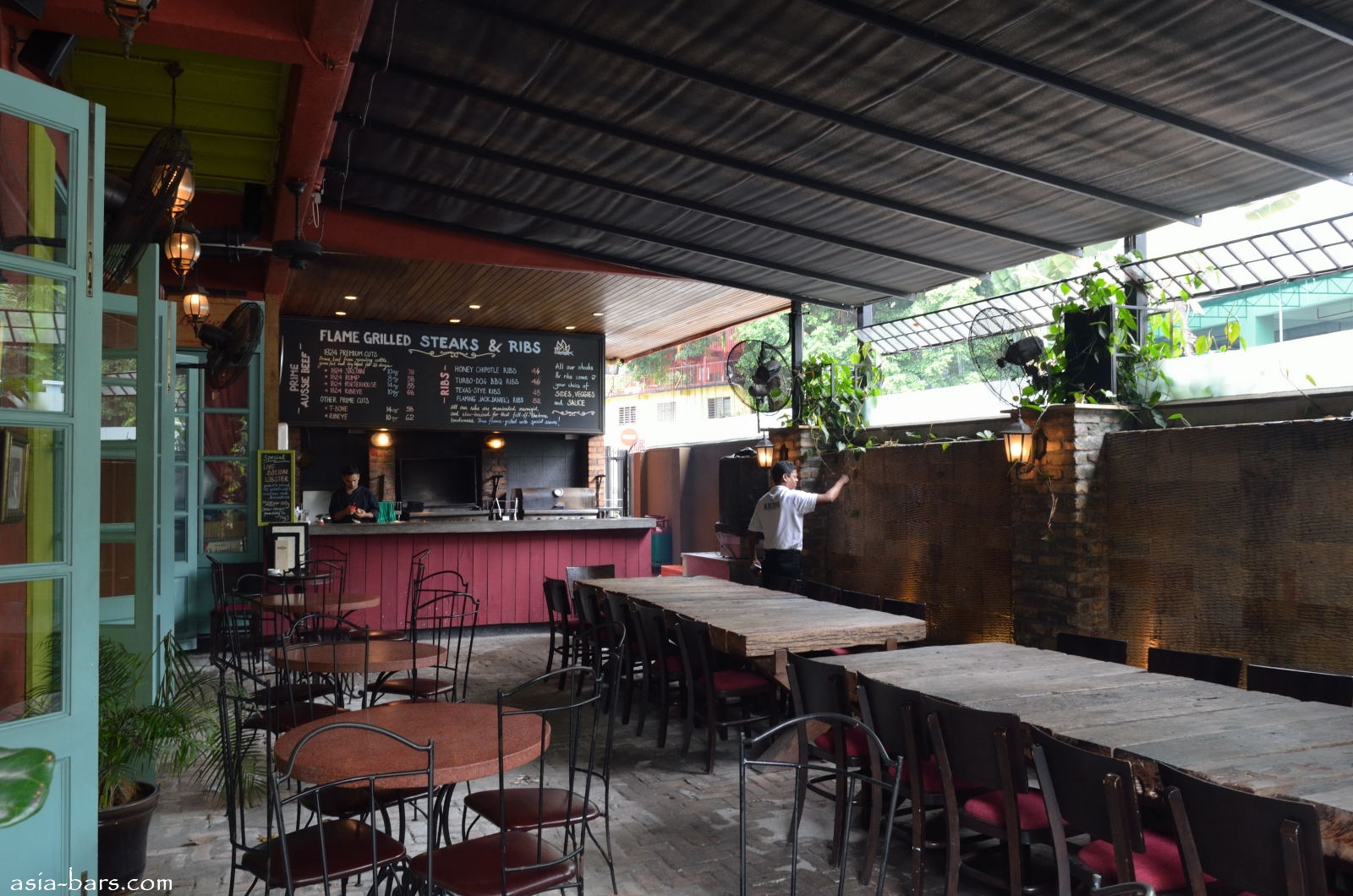 Havana Bar Amp Grill Casual Dining And Drinking In