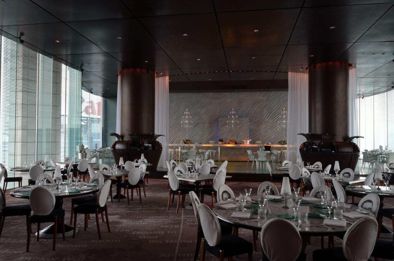 Felix The Peninsula Hong Kong Glamorous Restaurant