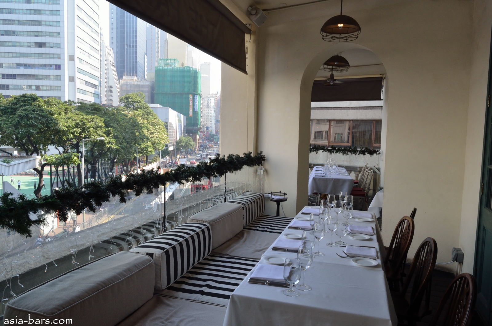 The pawn consummate modern british dining in restored for Restaurants with balcony