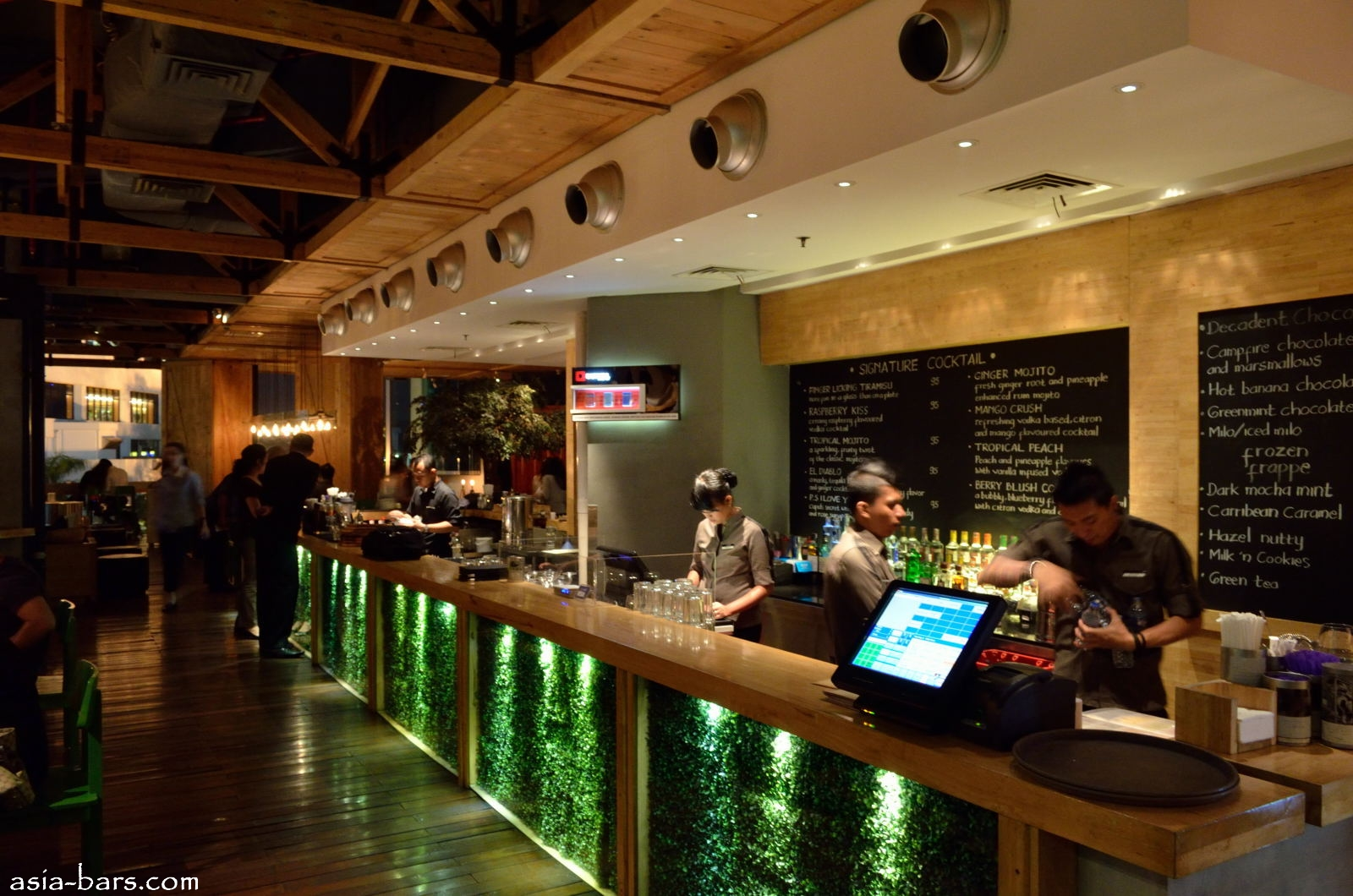 Social House Restaurant Bar Winepost In Jakarta