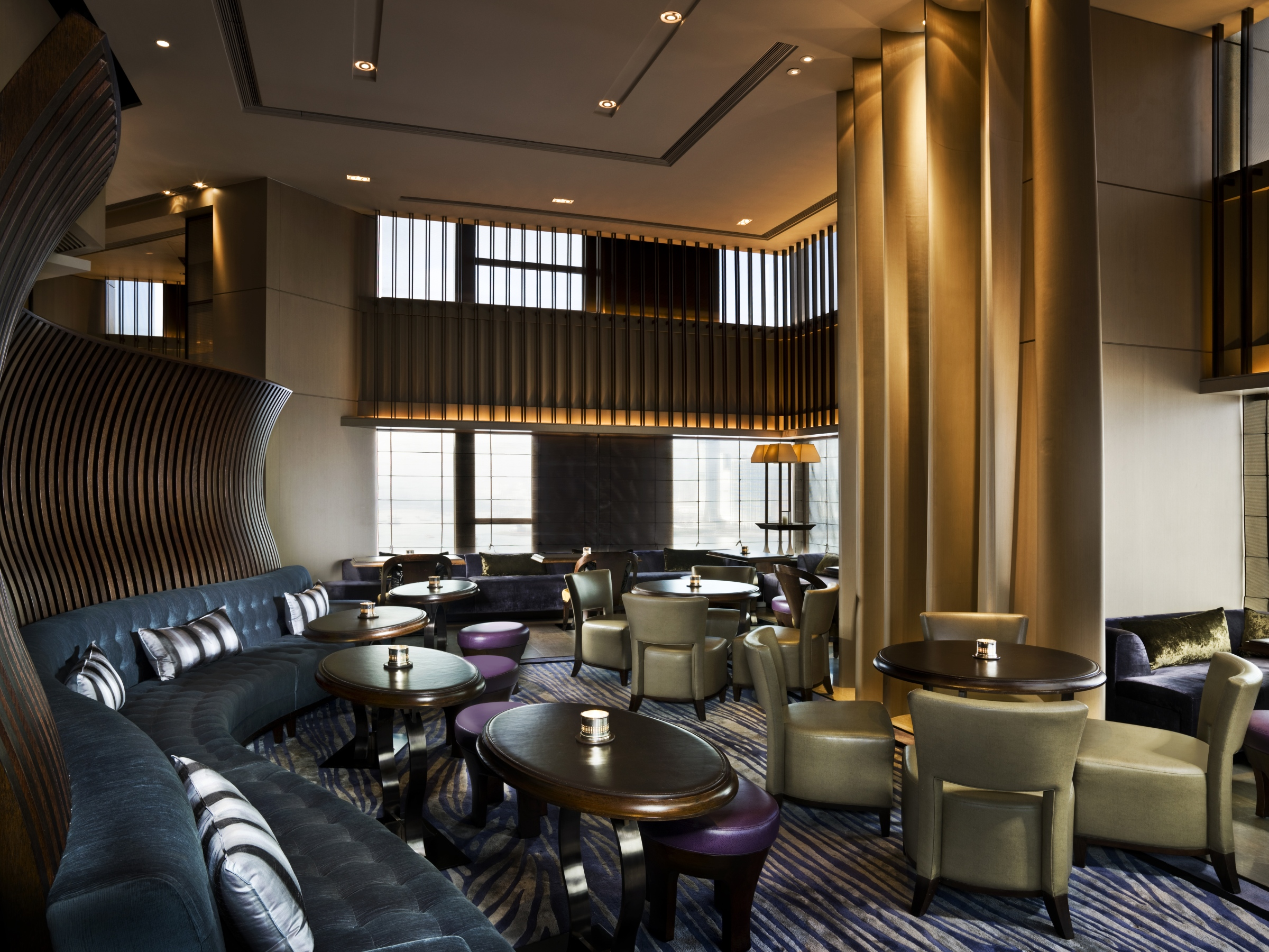 Cafe gray deluxe bar lounge at the upper house hong for Stylish lounge