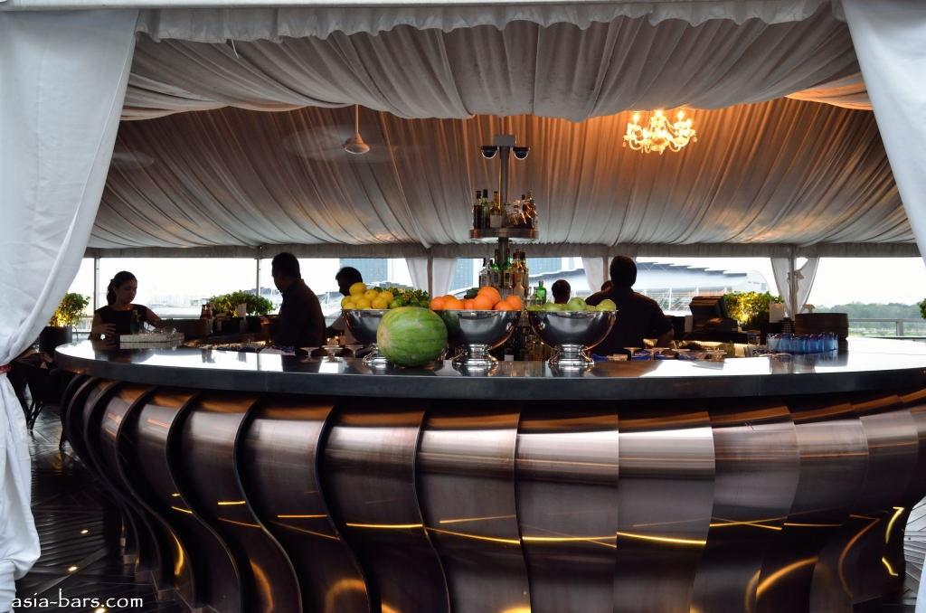 lantern bar @ fullerton bay
