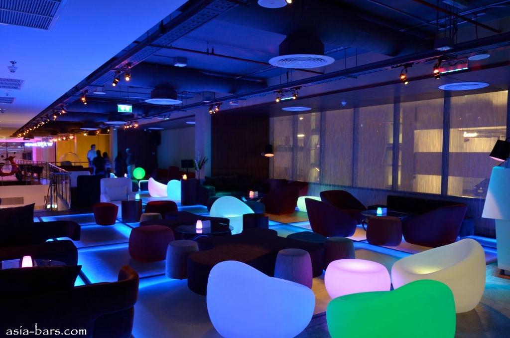 xyz bar at aloft bangkok raising the bar with sumptuous molecular
