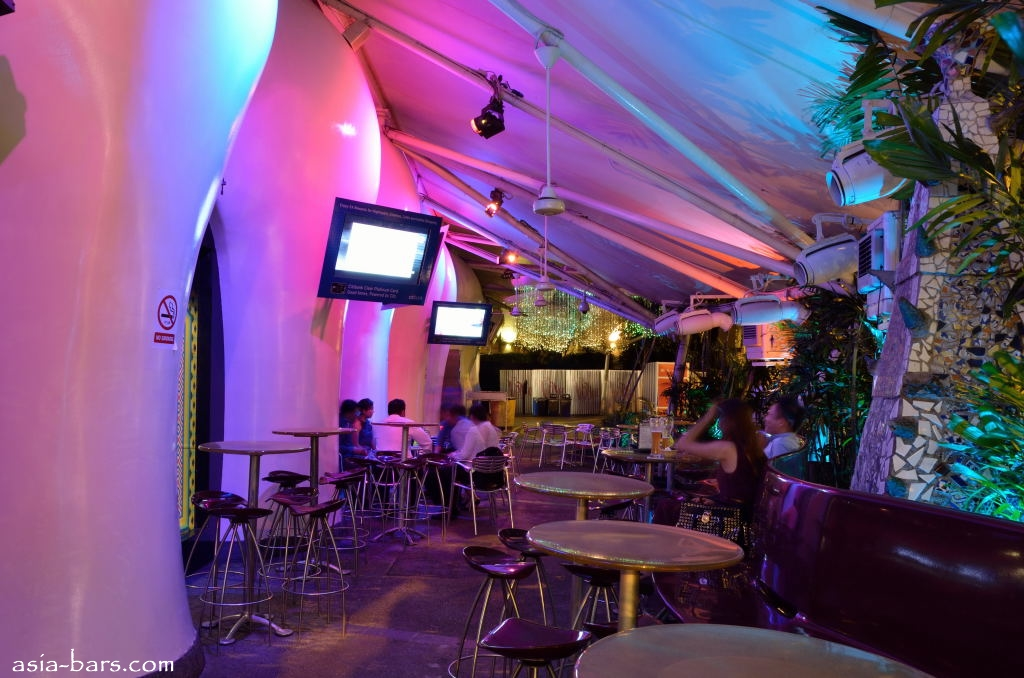 Zouk Singapore Inside The Phuture Room Amp Wine Bar Of The