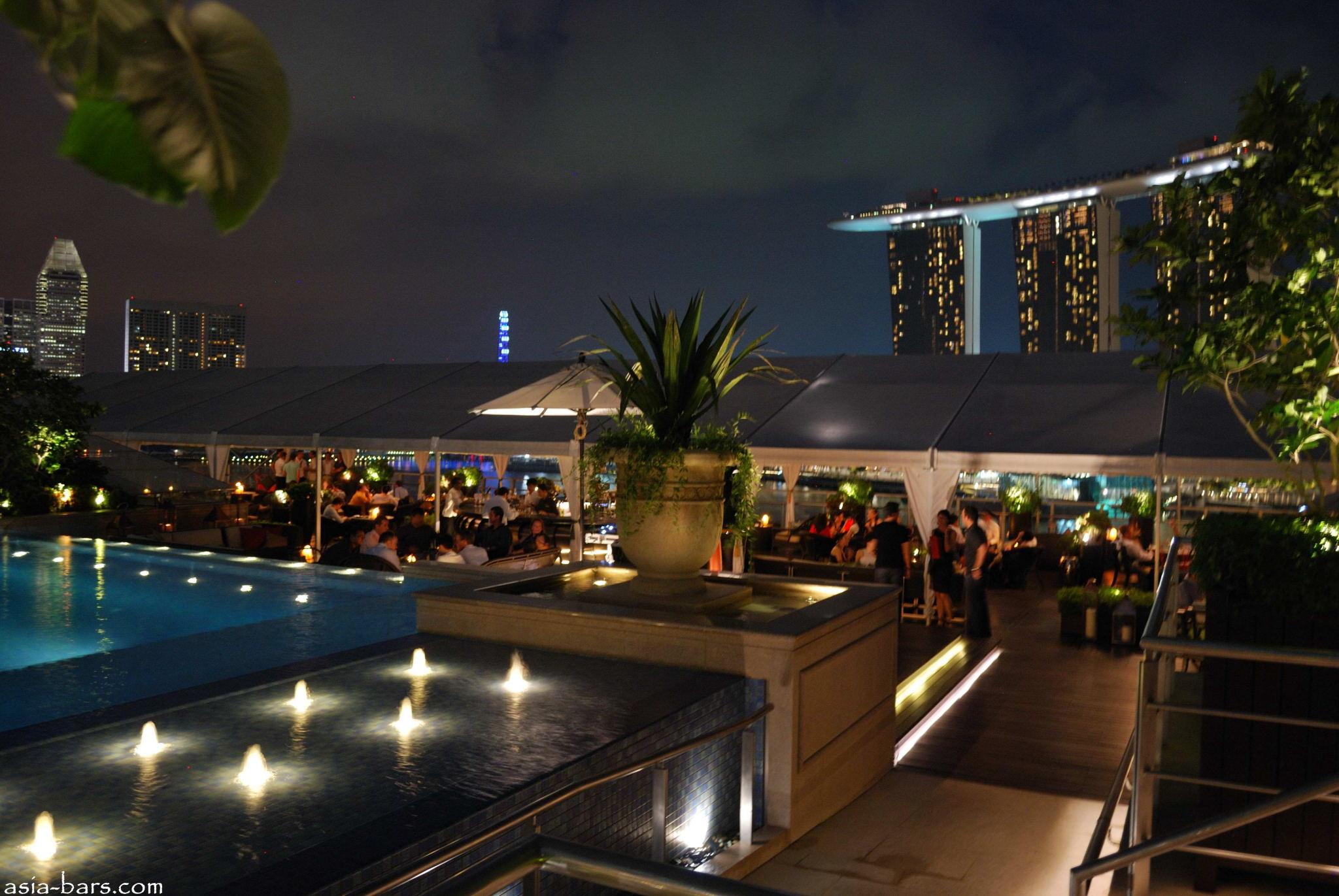 Lantern Rooftop Bar At Fullerton Bay Hotel Singapore