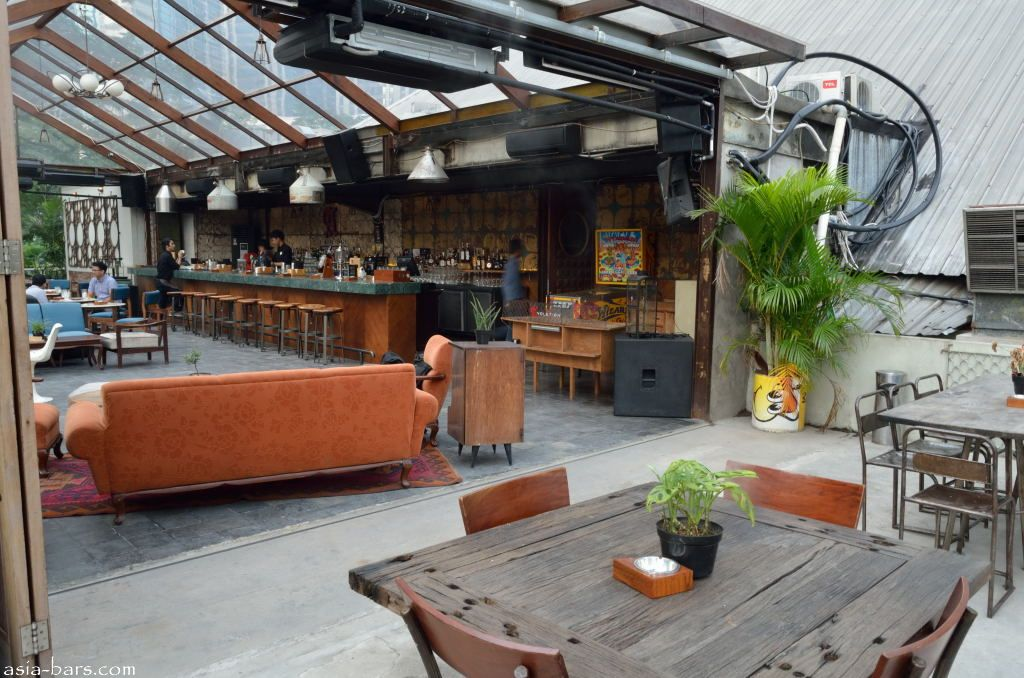 Lucy In The Sky Bar Amp Restaurant On Rooftop Garden At The