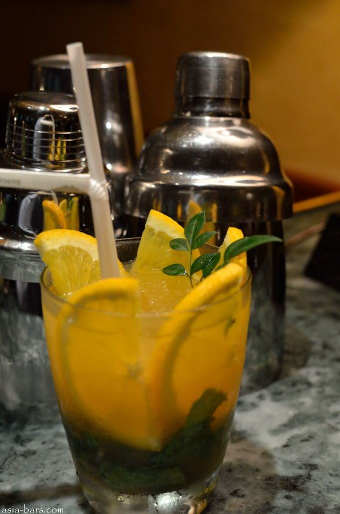 bamboo bar cocktails