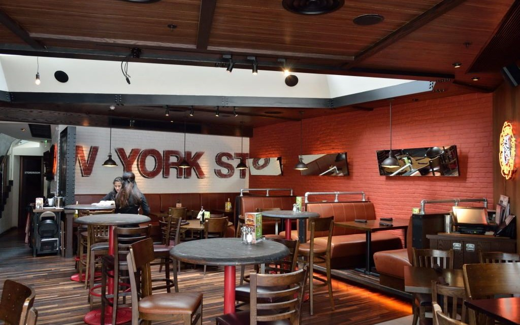 Grand central bar grill american style sports bar and casual restaurant in hong kong asia - Cuisine style bar ...