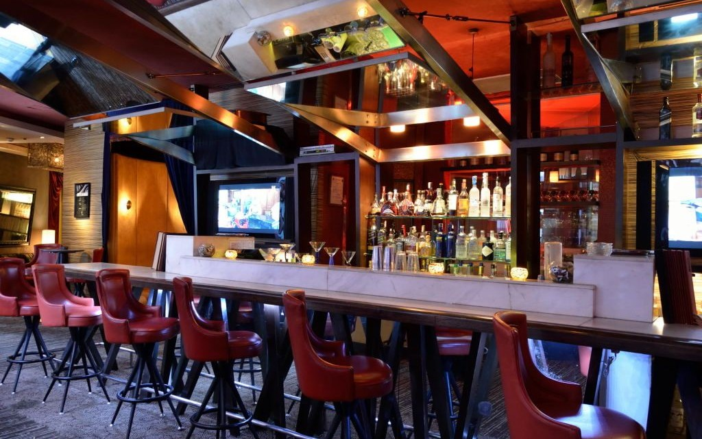 martinis-bar-manila
