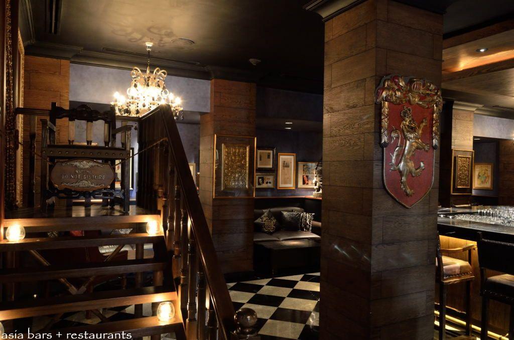 the bar peninsula manila