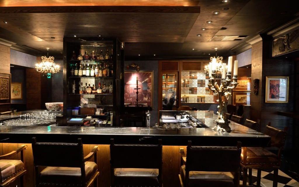 the-bar-peninsula-manila