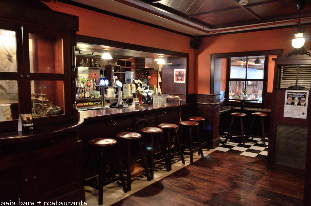 o malleys bar restaurant in shanghai asia bars restaurants rh asia bars com