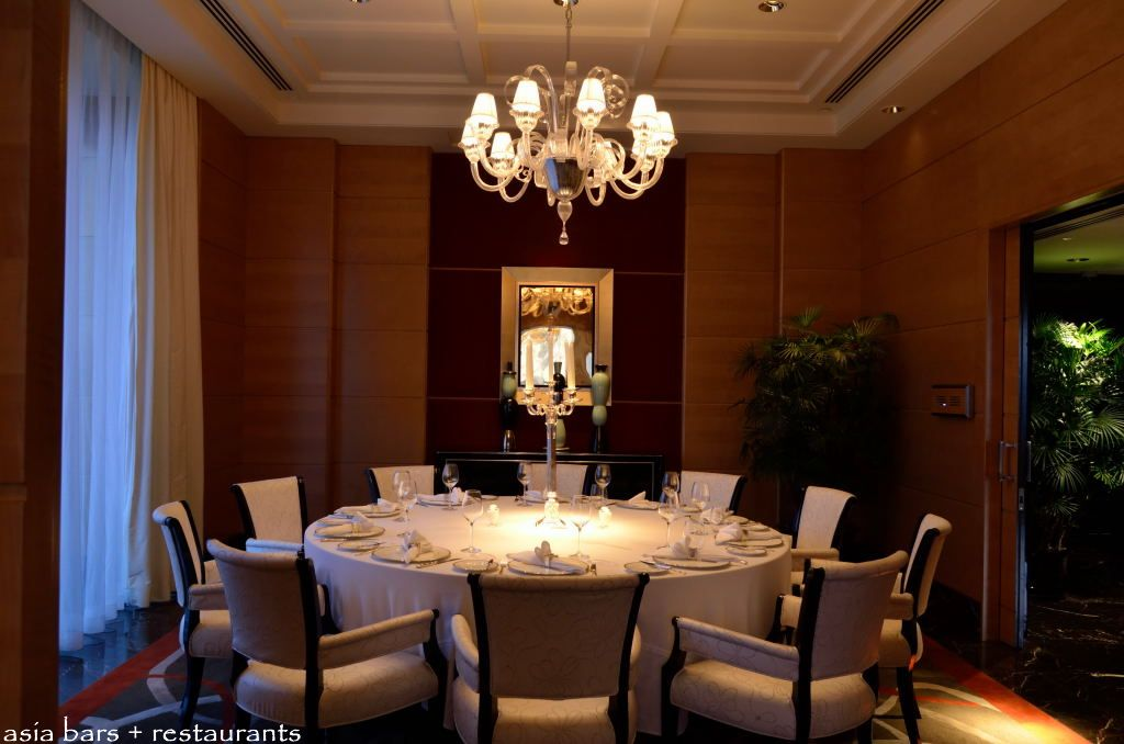 Sir elly s restaurant bar at the peninsula shanghai for Restaurants with private rooms