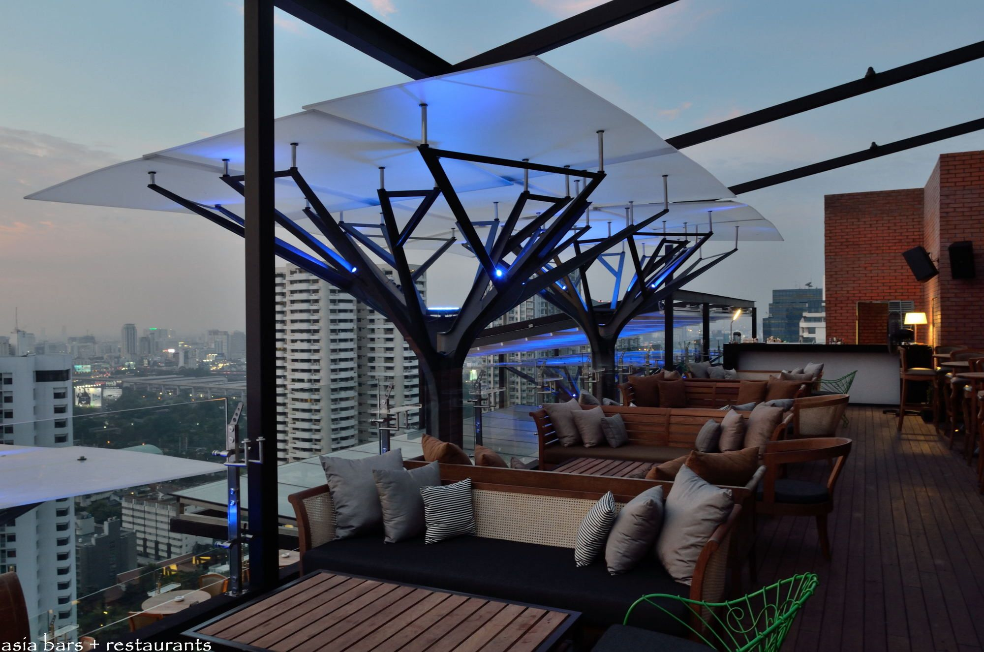 Above eleven rooftop bar restaurant bangkok asia for Top of the terrace restaurant