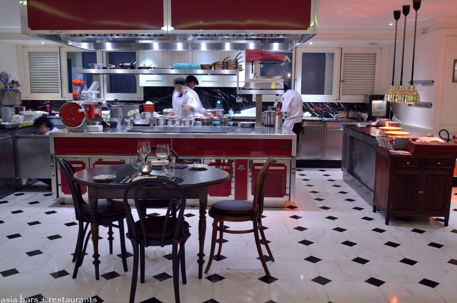 L Appart Rooftop Restaurant Amp Bar At Sofitel Bangkok Sukhumvit Asia Bars Amp Restaurants
