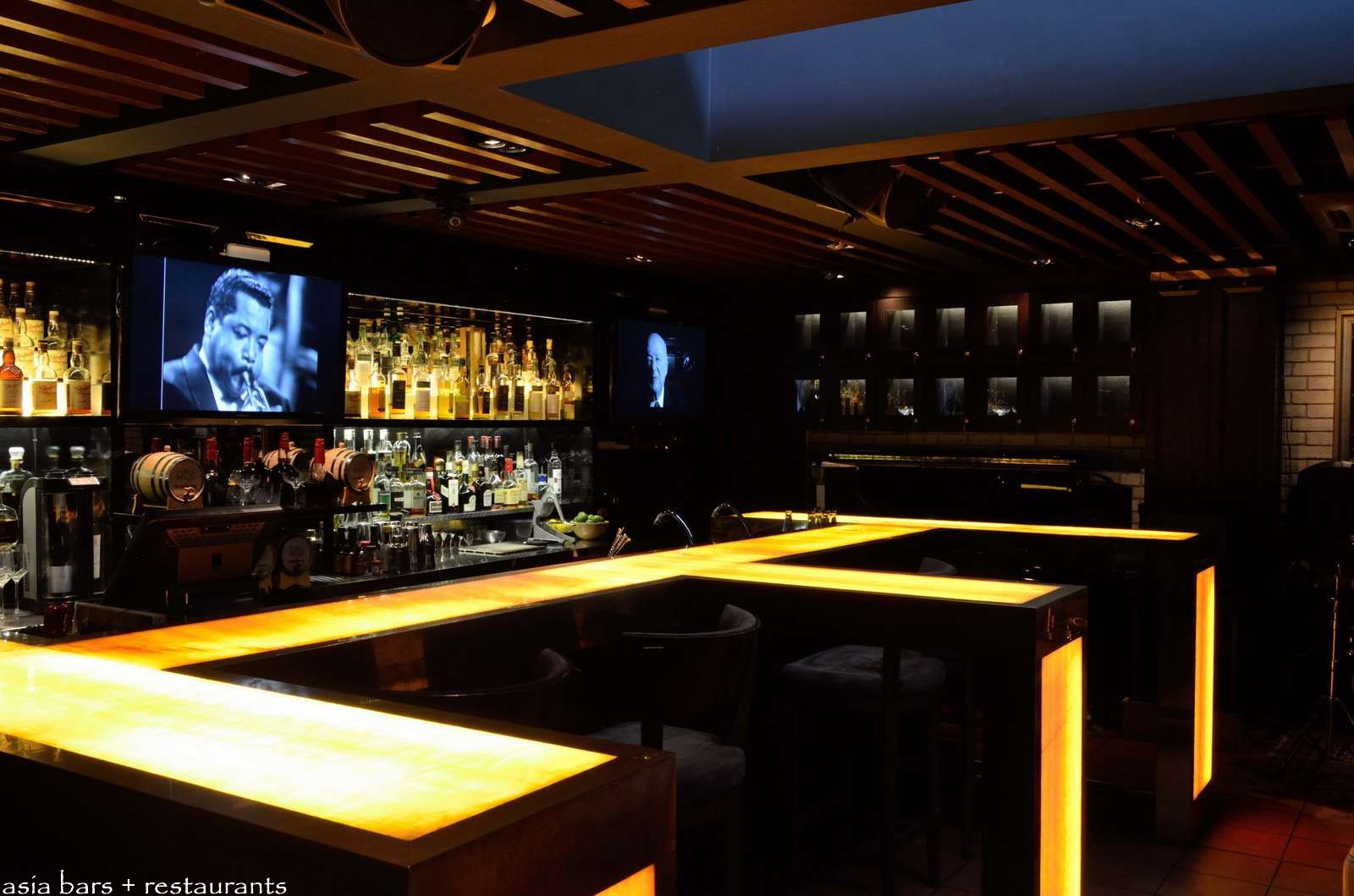 B28- luxury whisky bar in Singapore