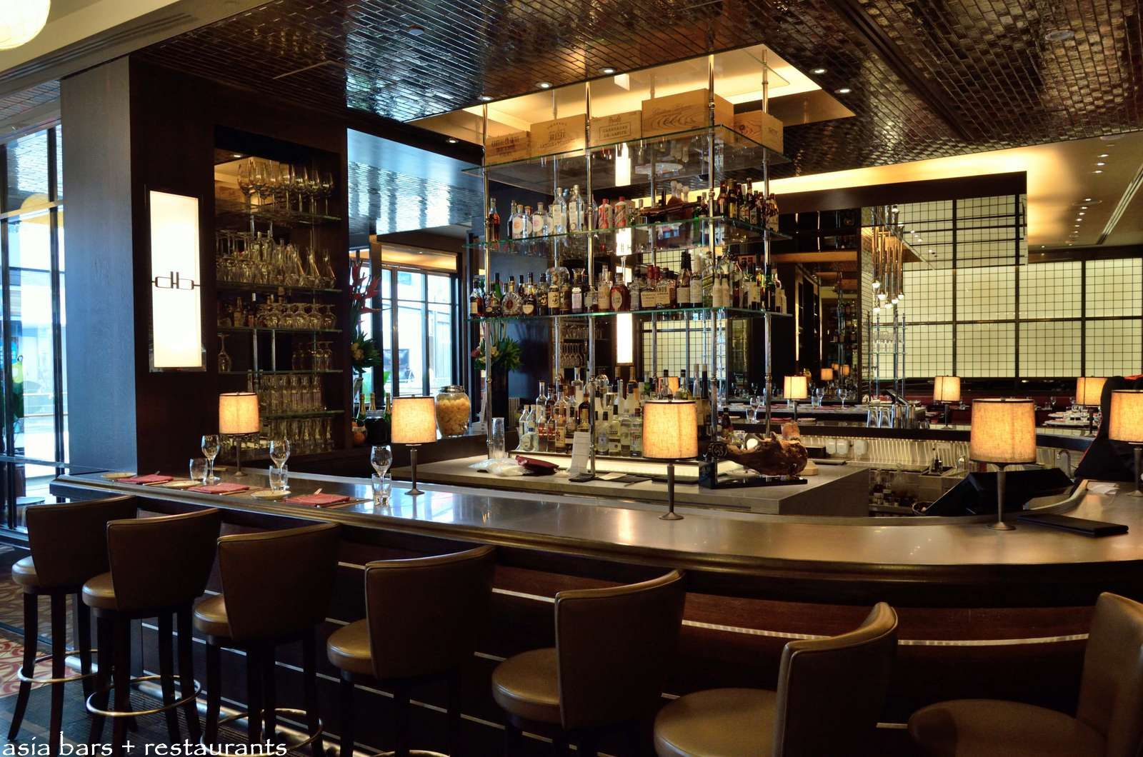 Db bistro moderne by daniel boulud at marina bay sands singapore asia bars restaurants - Moderne loungebar ...