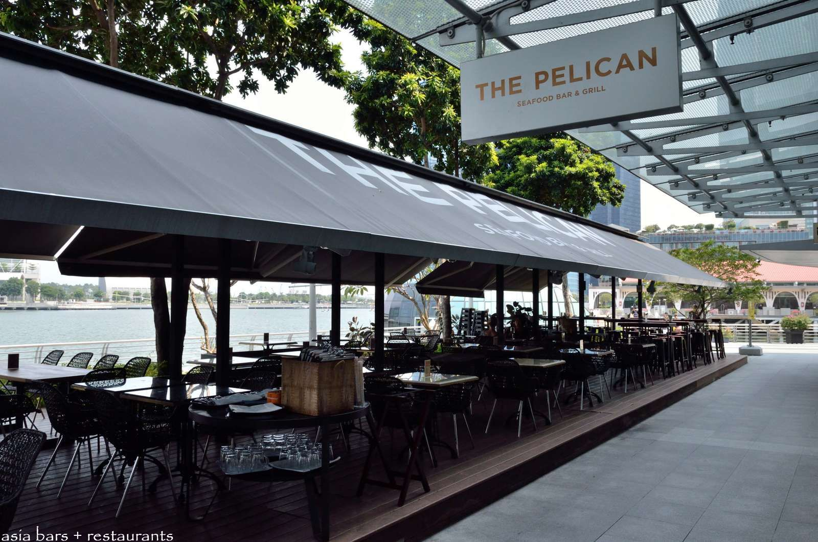 The Pelican Seafood Bar Amp Grill In Singapore Asia Bars
