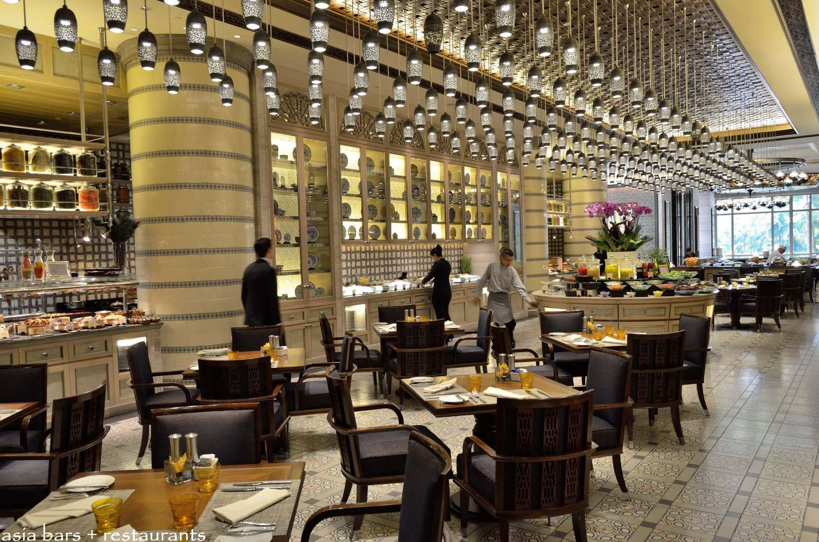 All glass dining room table - Mosaic All Day Dining Restaurant At Mandarin Oriental Kuala Lumpur