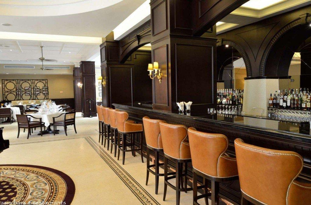 the bar majestic hotel