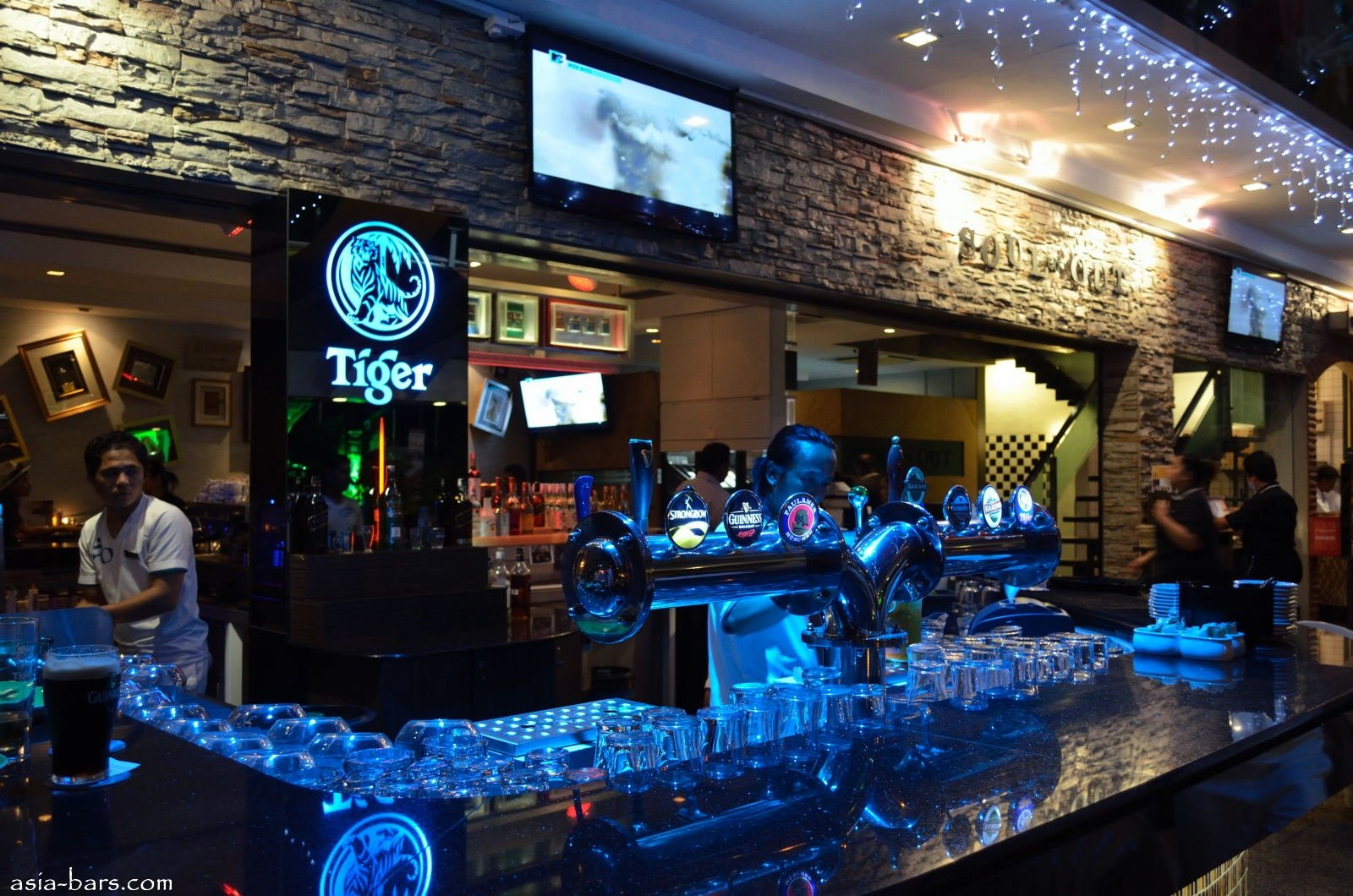 Souled out cafe and bar in kuala lumpur asia bars restaurants - Images of bars ...
