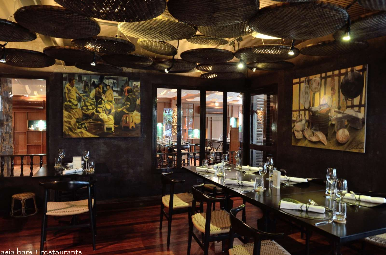 Essentially thai restaurant in bangkok asia bars for 8 spices thai cuisine