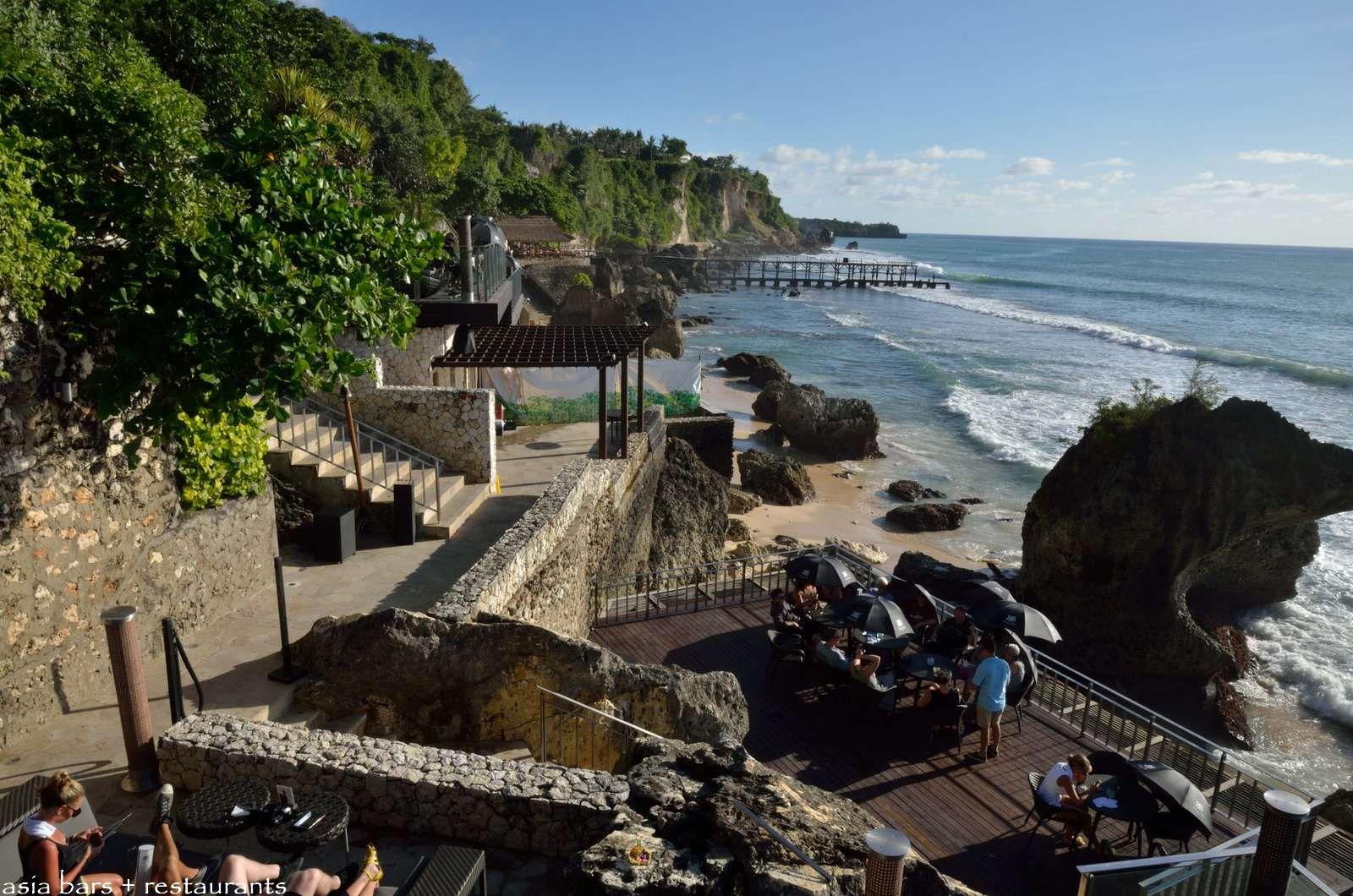 Ayana Resort Spa Bali Rock Bar