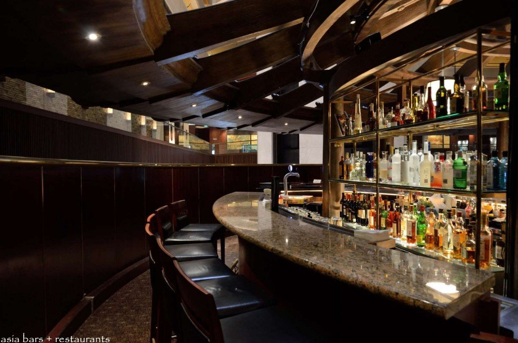The Bar At Morton S Of Chicago Steakhouse Mandarin