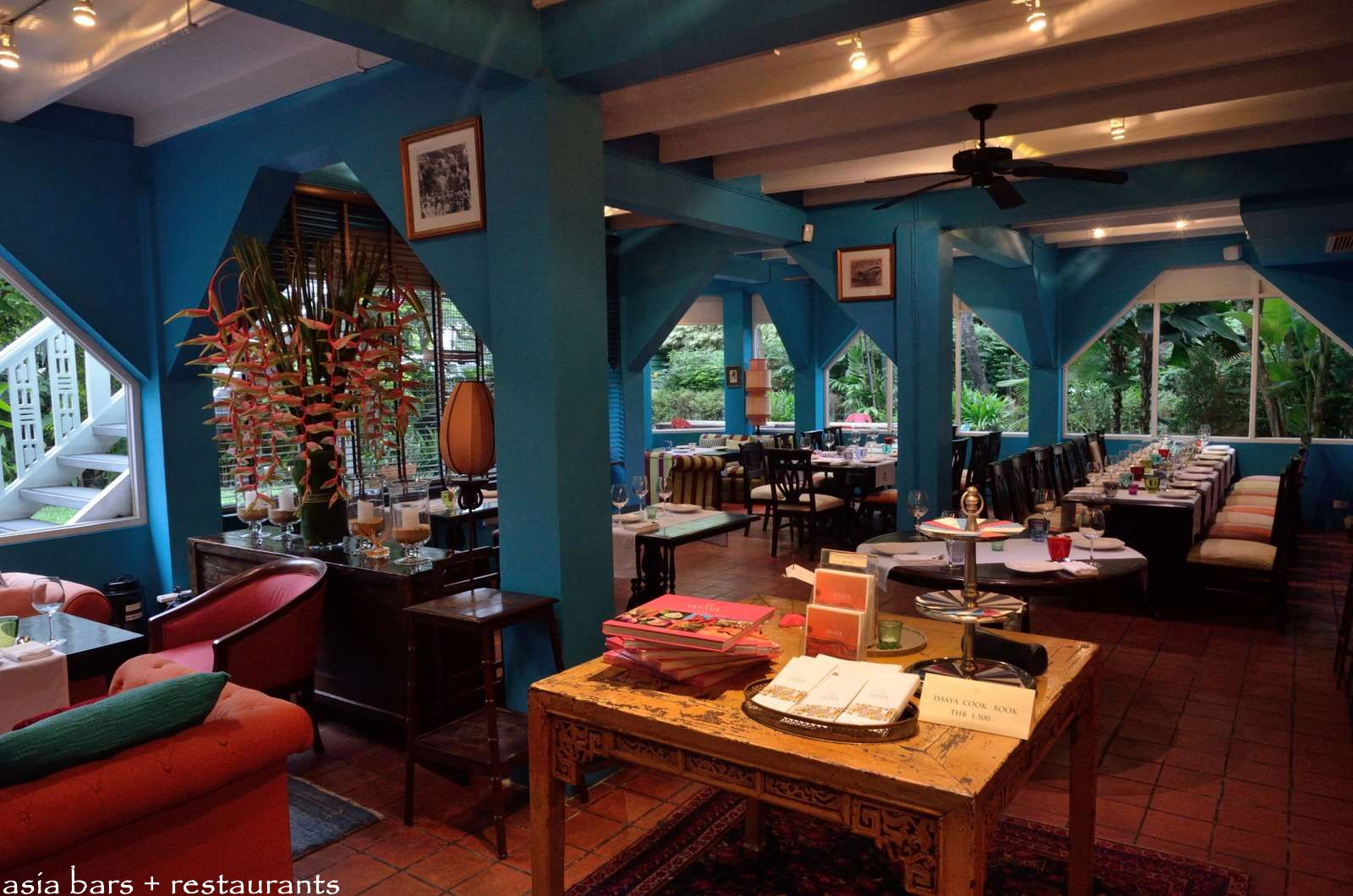 Issaya siamese club modern thai restaurant lounge in for Home restaurant