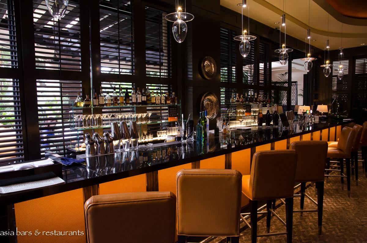 One-Ninety Bar by Javier de las Muelas at Four Seasons ...