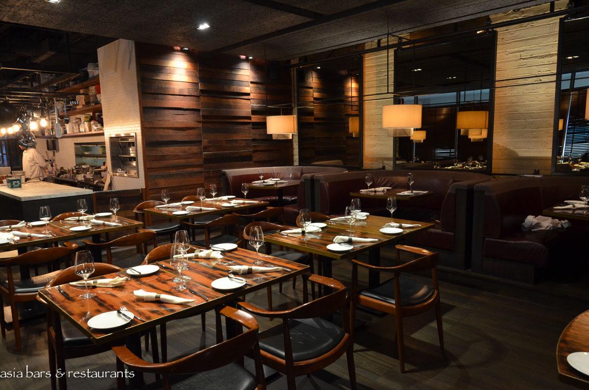 Bedrock Bar Amp Grill Singapore Asia Bars Amp Restaurants